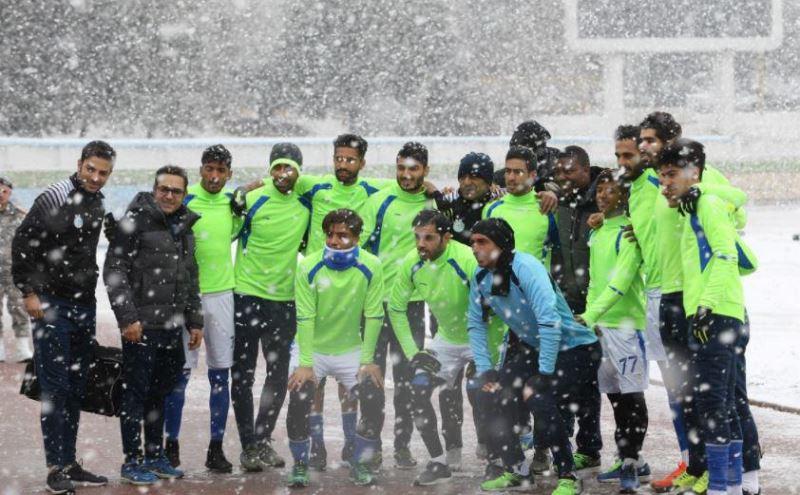 برف بازی در تمرین تیم استقلال+ عکس