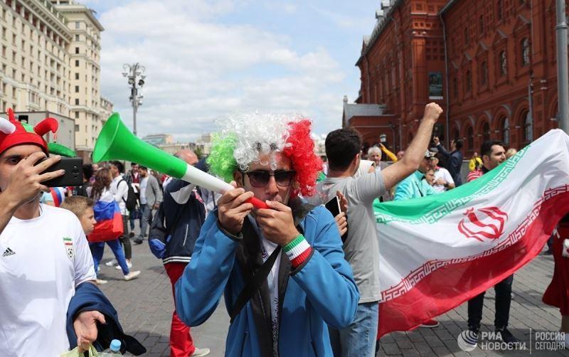 تصویر برگزیده رسانه روسی از هواداران ایرانی پیش از بازی افتتاحیه