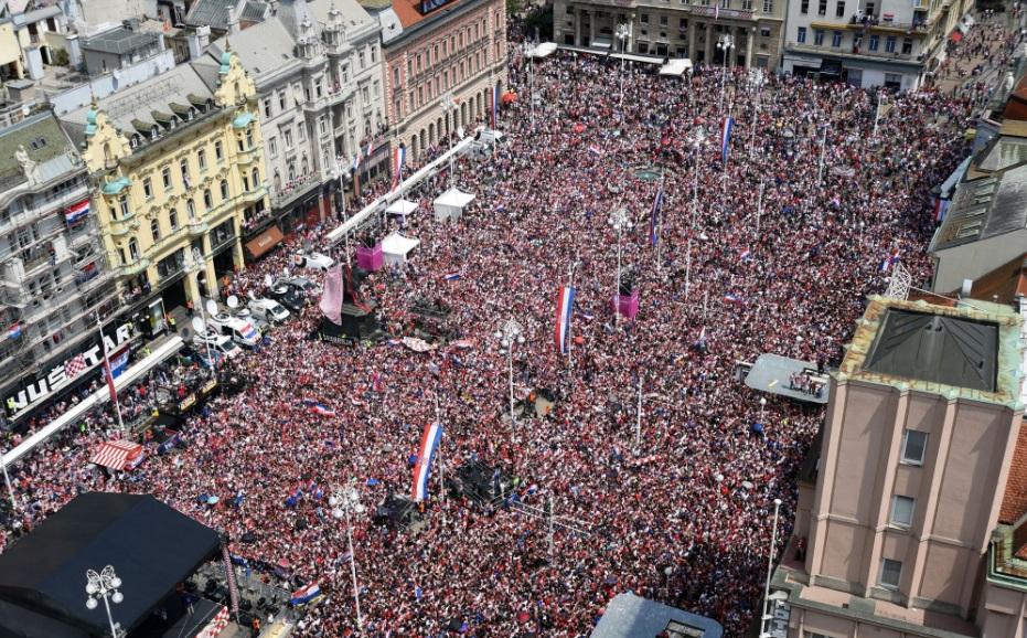 استقبال گسترده هوداران کرواسی پس از نایب قهرمان تیم شان در جام جهانی+تصاویر
